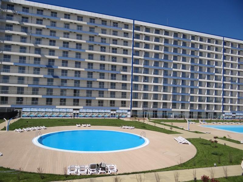 01. Blaxy Premium Resort