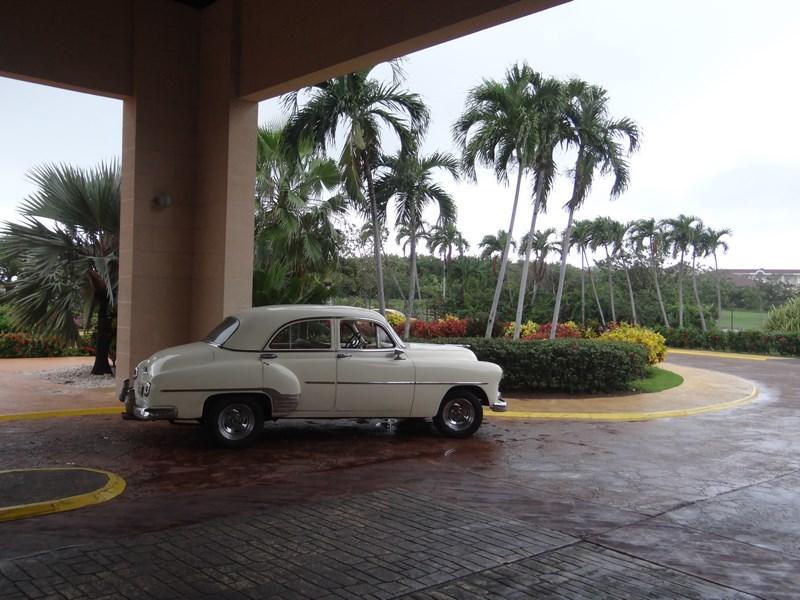 01. Chevrolet retro