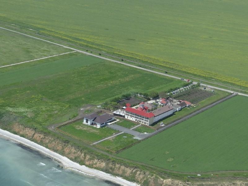 06. Manastire de la mare