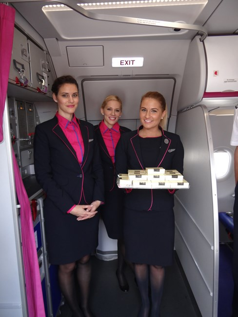 08. Stewardeze Wizz Air