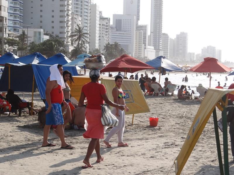 30. Vanzator pe plaja
