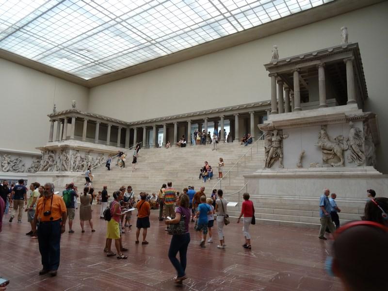 11. Altarul Pergamon