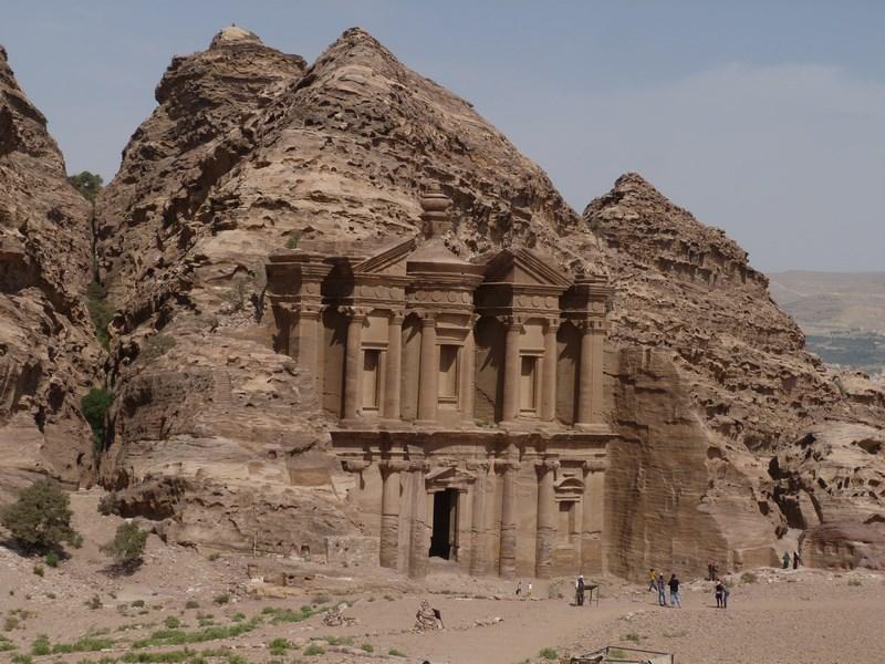 21. Manastire Petra