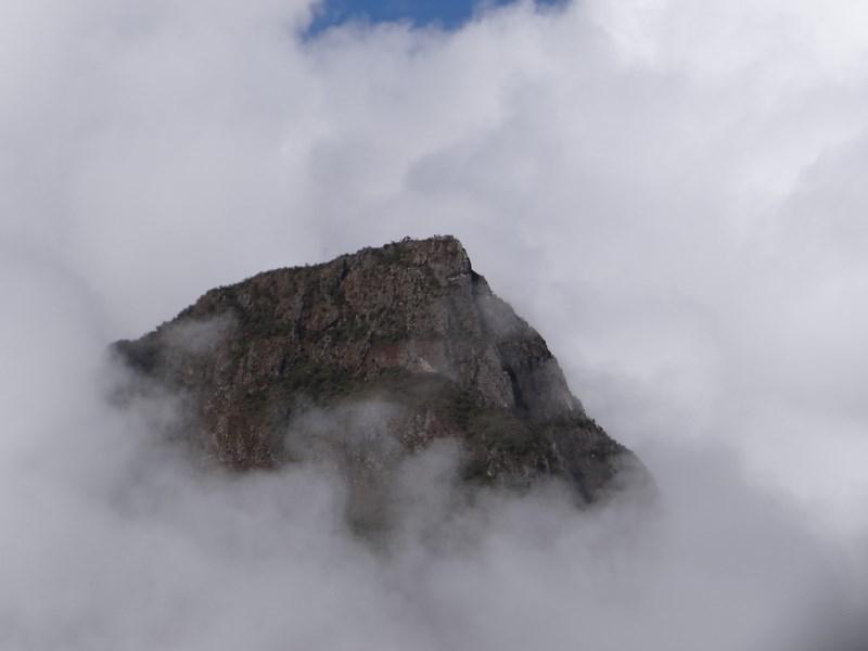 25. Cerro Machu Picchu