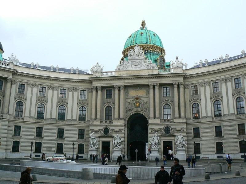 10. Hofburg