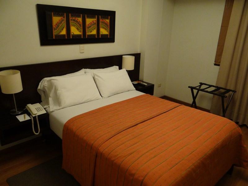 12. Hotel Girasoles Lima