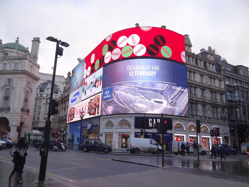 01. Picadilly Circus Londra