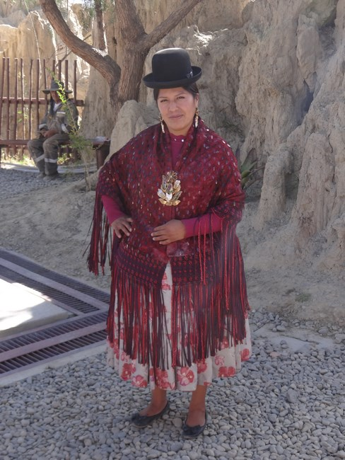 06. Costum traditional bolivian