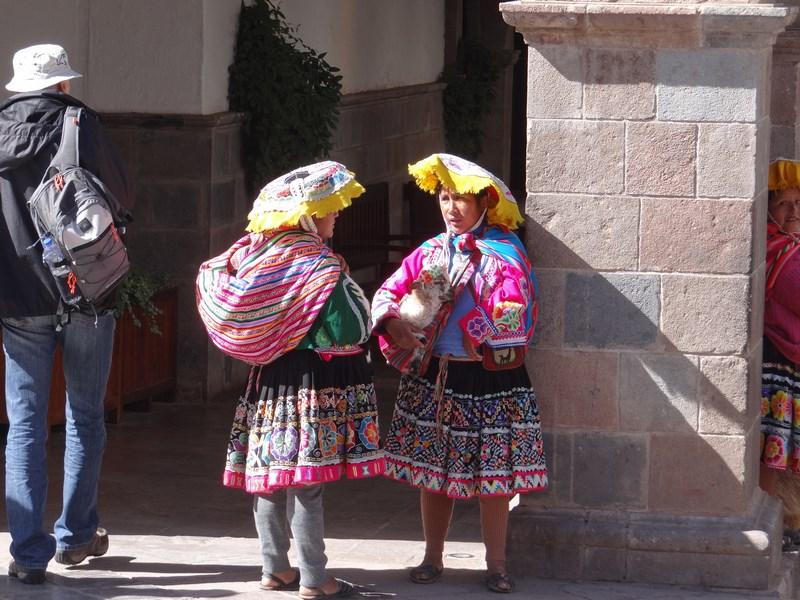 08. Femei Peru