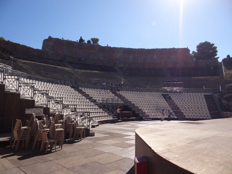 13. Teatrul Grec