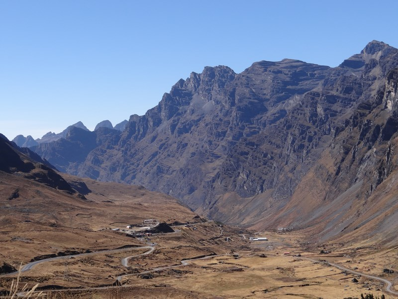 16. Munti Bolivia