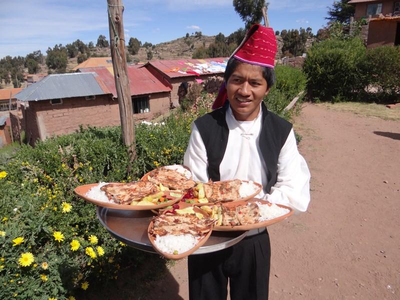 58. Localnic Taquile
