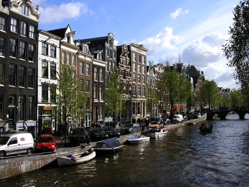 02-canale-in-amsterdam