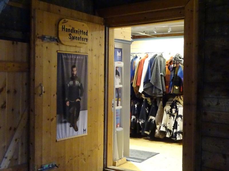 08-magazin-de-haine-de-iarna