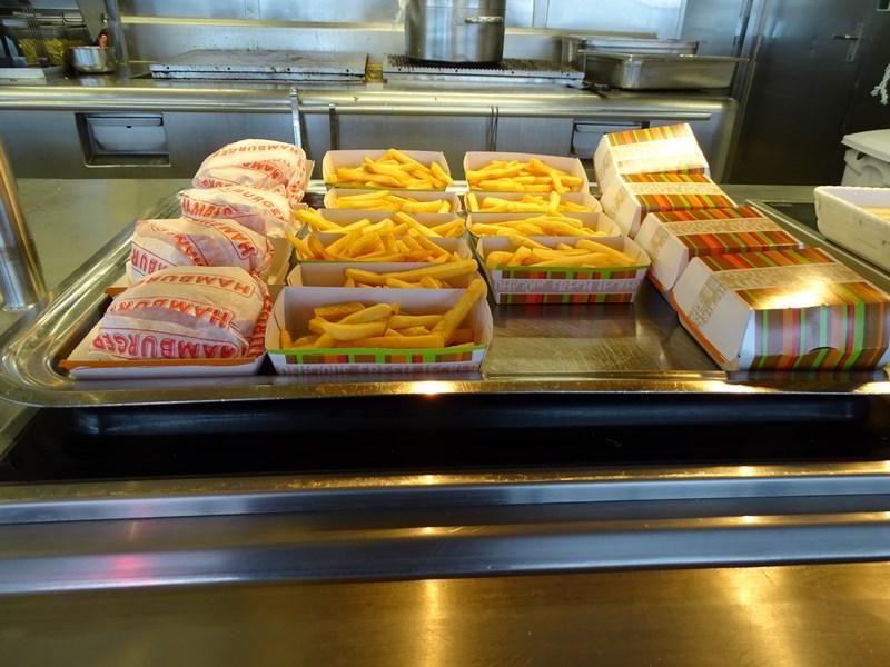 11-hamburger-paradise-msc-opera