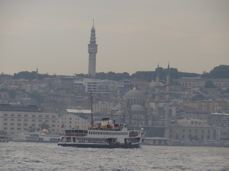 13-ferry-in-istanbul