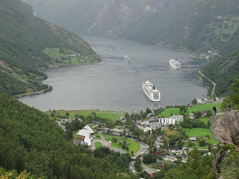 18-fjord-geiranger
