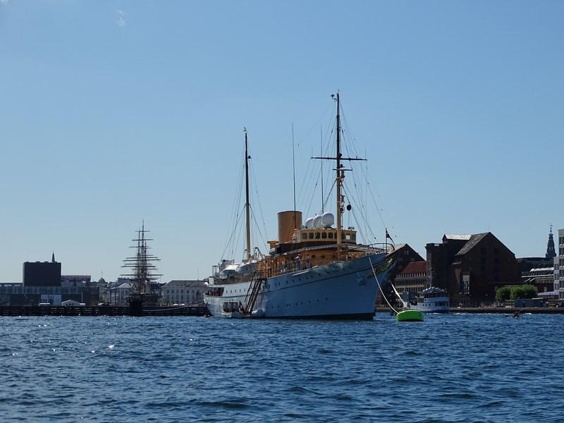 23-vasul-regal-danez