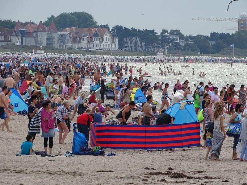 38-warnemunde-beach