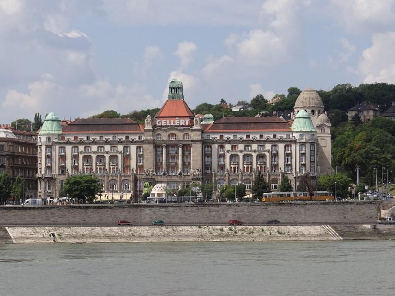 06-hotel-gellert-budapesta