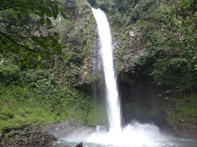 20-costa-rica-america-centrala-cascada