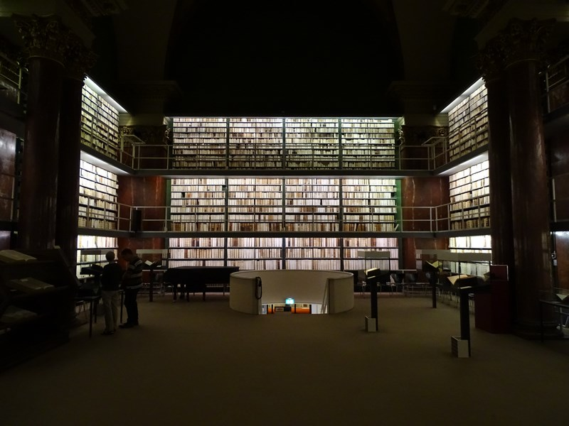 23-interior-biblioteca-wolfenbuttel