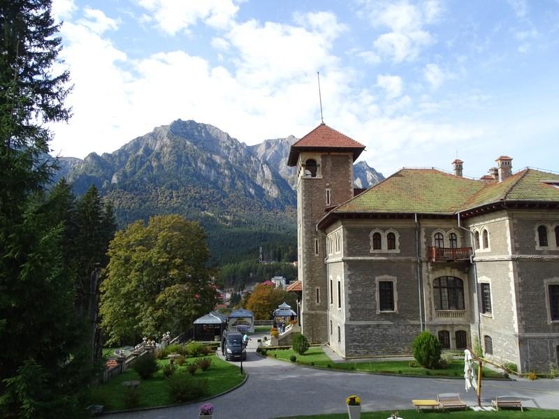 01-castelul-cantacuzino-busteni