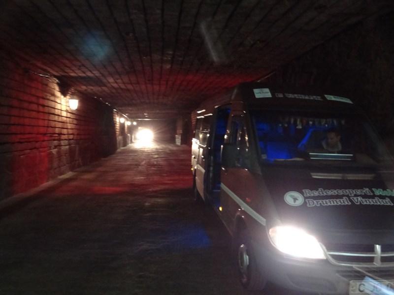 02-tuneluri-subterane-milestii-mici