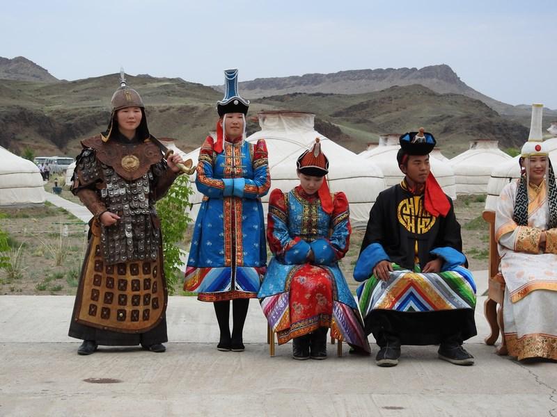 04-costume-istorice-mongole