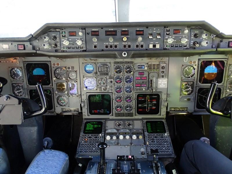 11-cockpit