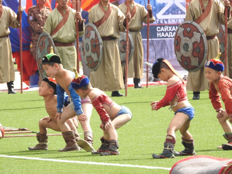 11-mici-luptatori-mongoli