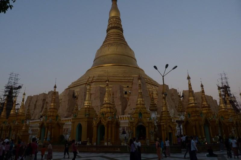 13-pagoda-de-aur-yangon