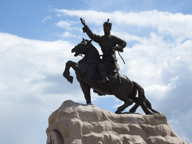 13-statuie-ulaan-bataar