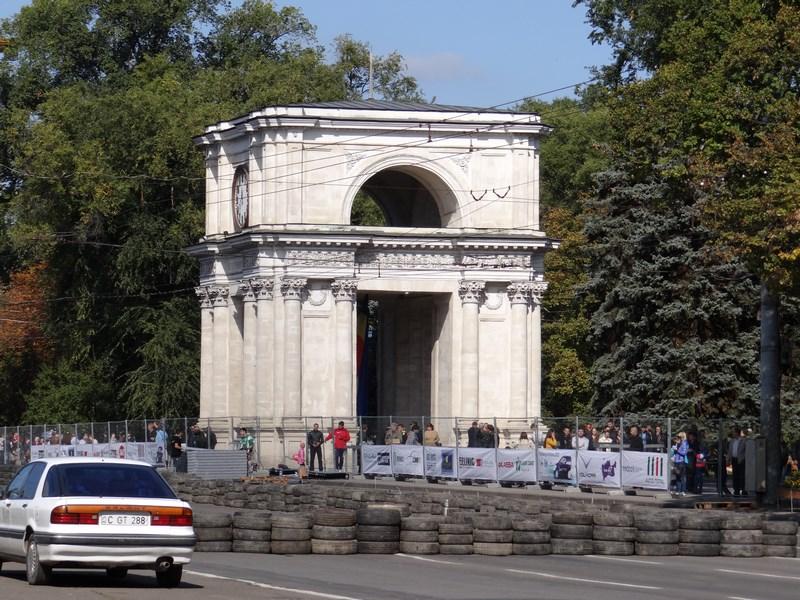 16-arcul-de-triumf-chisinau-basarabia