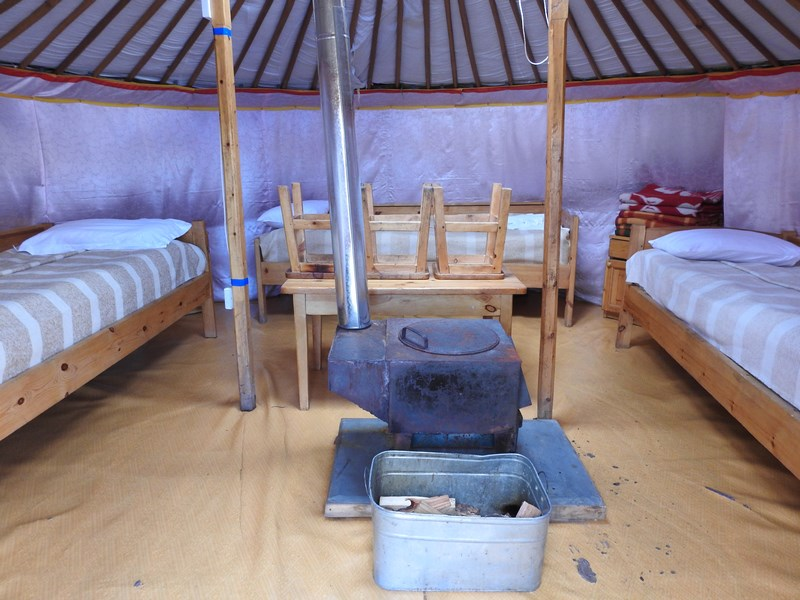 16-interior-ger-mongolia