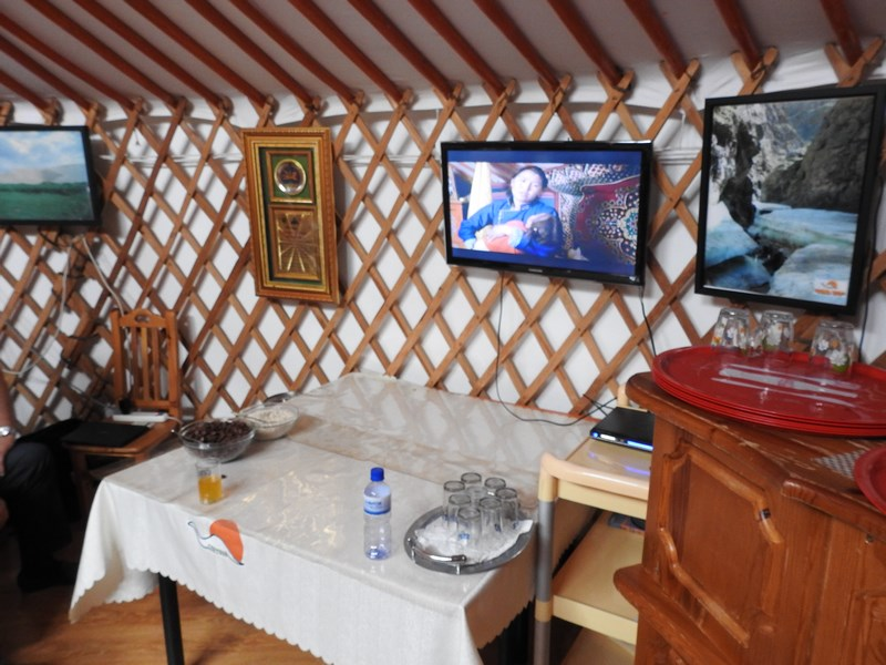 41-tv-show-mongolia