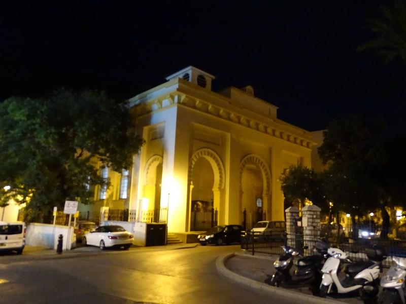 06-biserica-in-stil-moschee