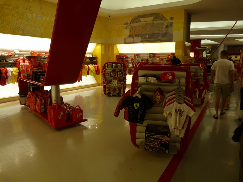 11-magazin-ferrari-world