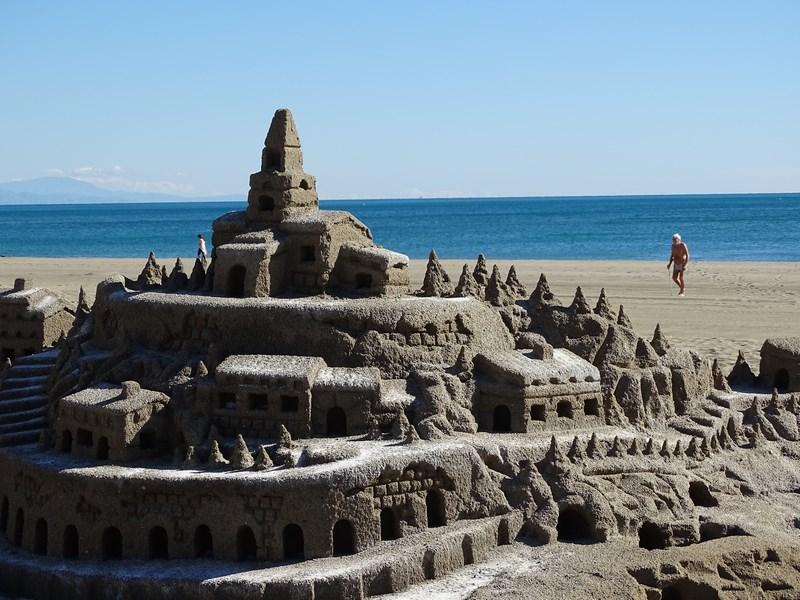 24-castel-de-nisip