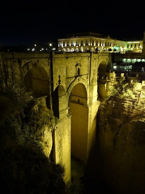 31-podul-ronda-noaptea