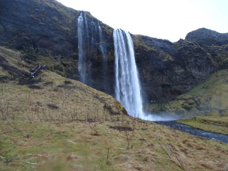07. Cascada Islanda