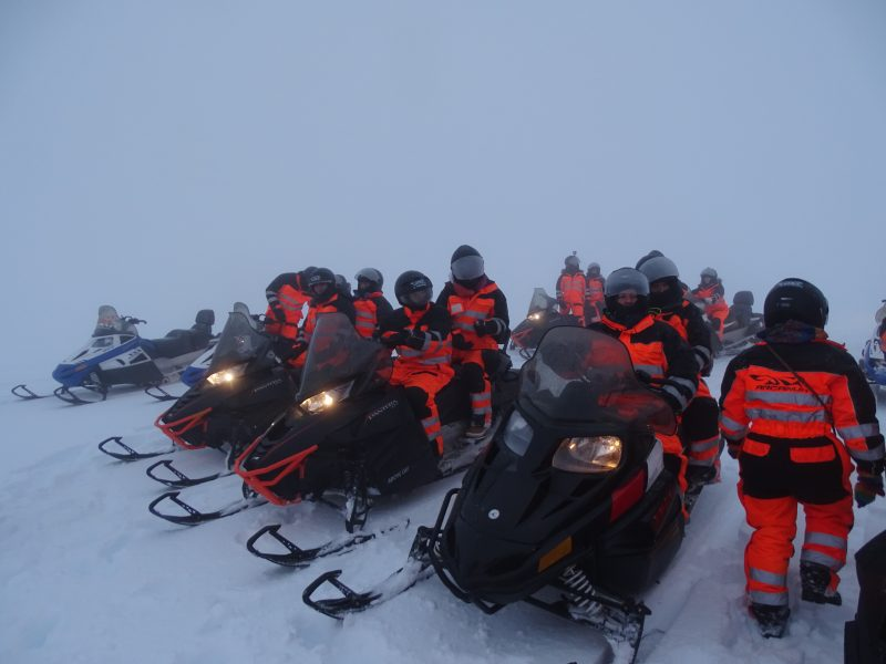 07. Echipa snowmobile