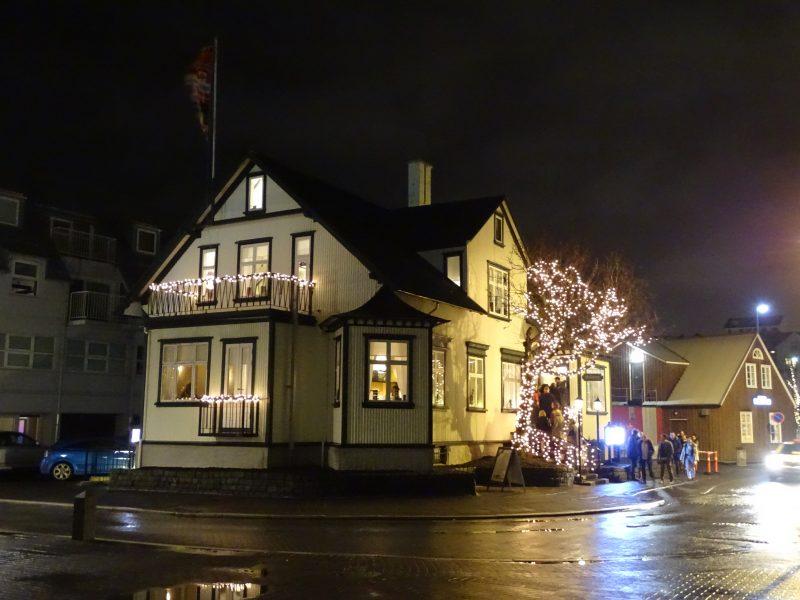 08. Reykjavik by night