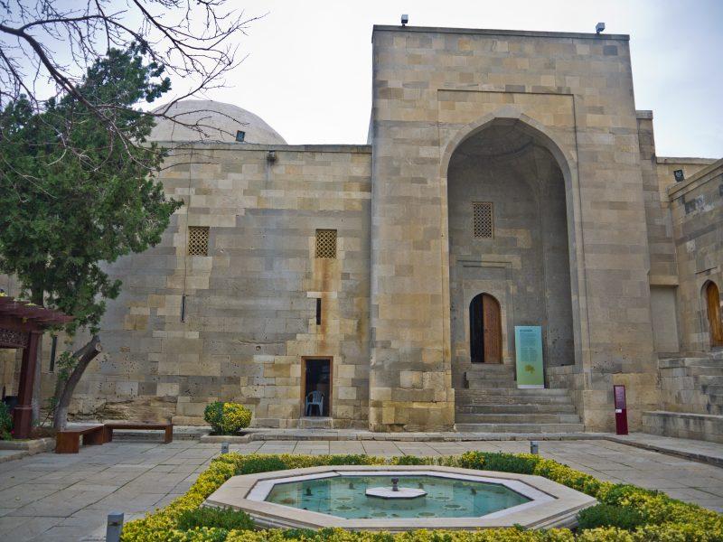 3.Palatul Sirvansahilor