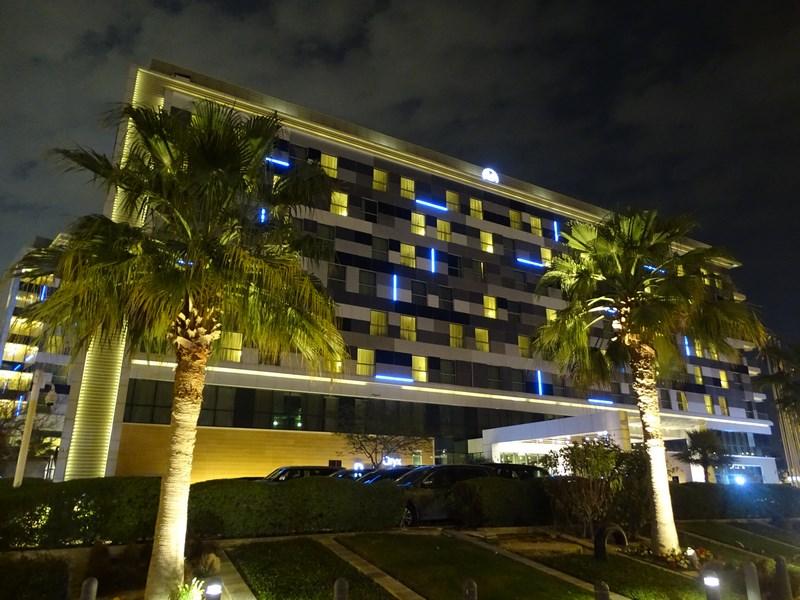 02. Hotel Oryx Rotana Doha