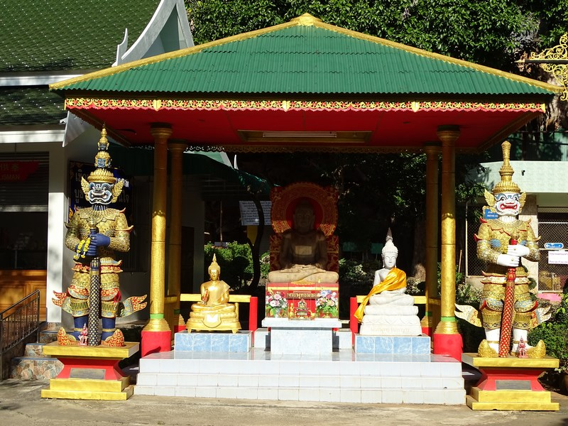 04. Altar budist