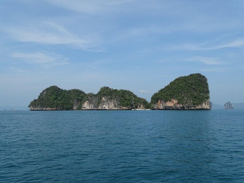 10. Insule in mare