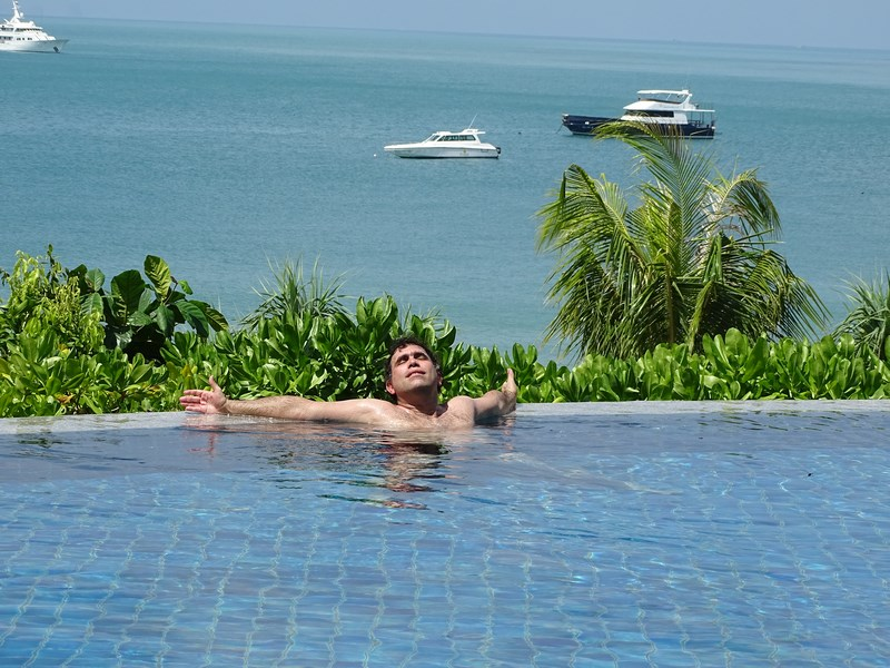 26. Infinity pool Pimalai Resort - Koh Lanta