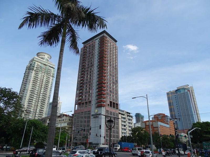 28. Blocuri Manila