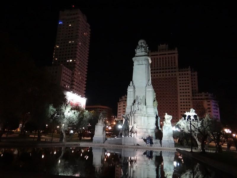 06. Plaza Espana